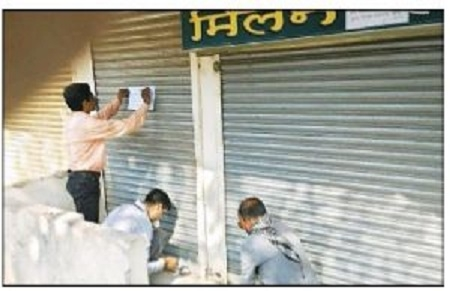 AMC seals 137 shops for non-payment of dues