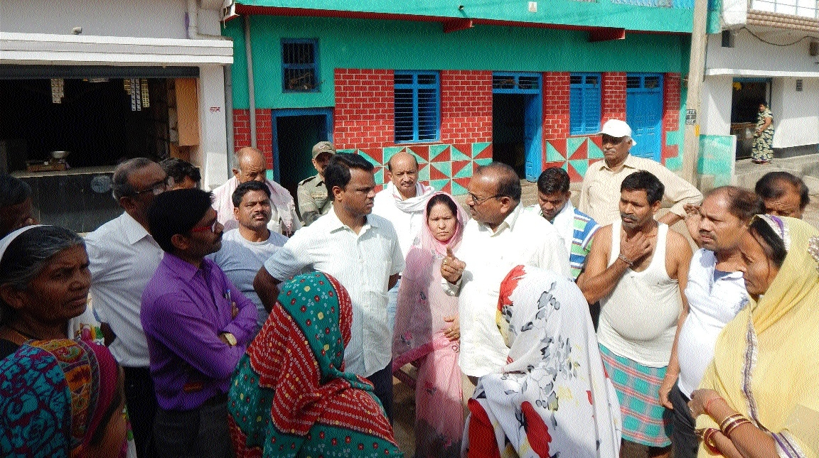 Collector visits three wards, gathers info on people's problems
