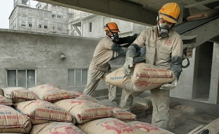 Cement demand growth to recover to 4-5% in FY18: ICRA Report