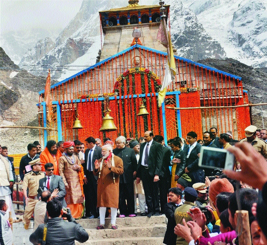 Modi visits Kedarnath shrine