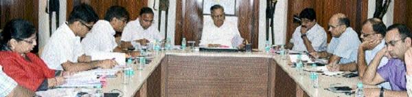 Chief Minister chairs meeting of Labour Department officials