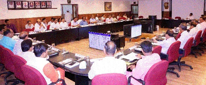 GM Girish Pillai applauds Zonal Railway in 15th ZRUCC meeting