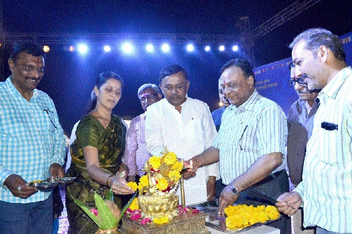 Minister Sharad Jain inaugurates 10-day Amrit Mahotsav