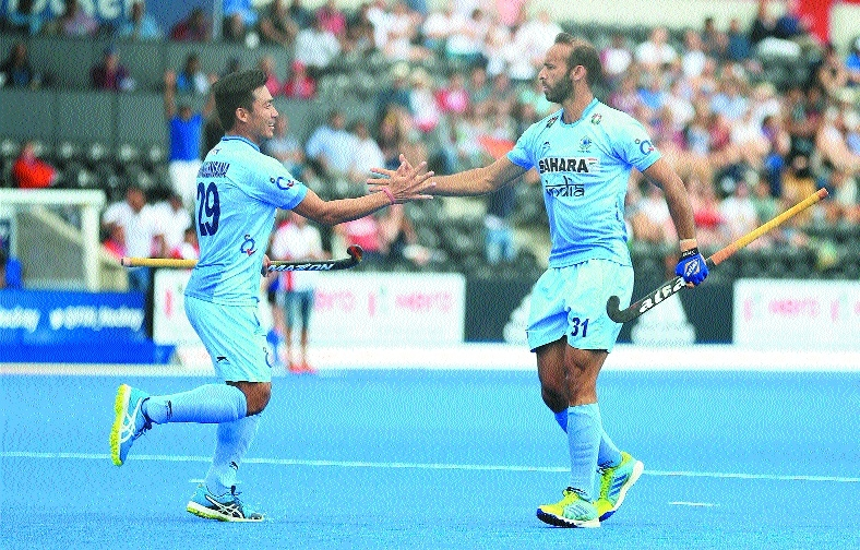 Misfiring India crash out of semis