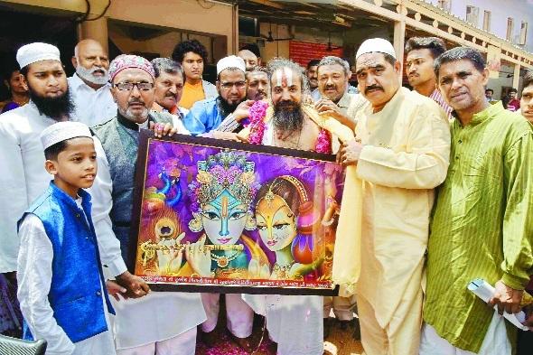 Muslim picture RadheKrishna to Jagannath temple.jpg