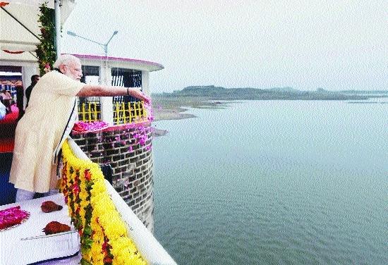 Modi hails Narmada project completion