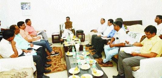 Singh reviews dvpt works in NHAI, MPRDC, PWD meet