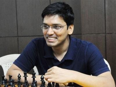 Harikrishna stuns Aronian to climb to top spot