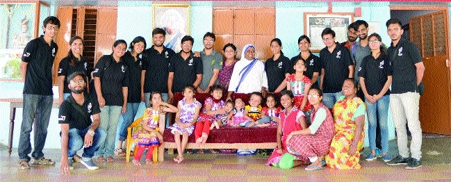MANIT donates items to children in Mother Teresa Ashram