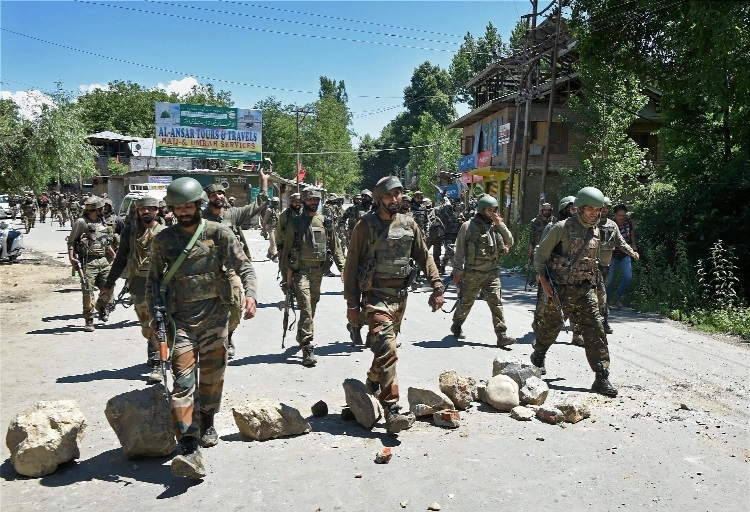 2 ultras involved in killing of 6 cops gunned down in Kashmir