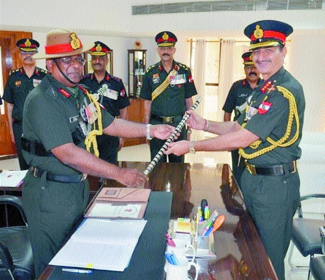 Lt General Ghuman takes command of Sudarshan Chakra Corps
