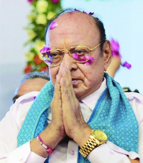 Setback to Cong in Gujarat as Vaghela quits party