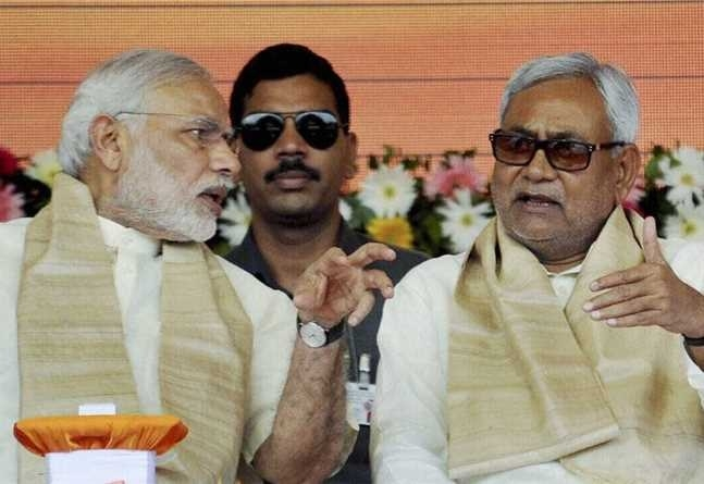 Nitish dumps Lalu, goes with BJP