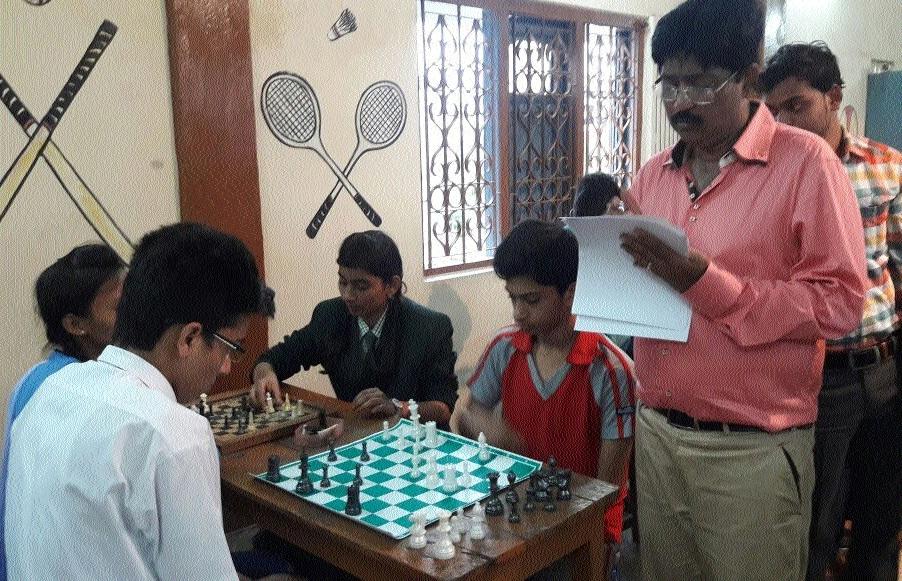 Raipur students dominate Regional Chess tourney