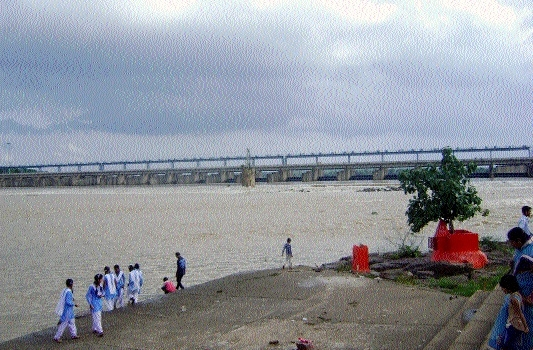 Stay on 31 ongoing projects over Mahanadi