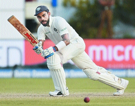 Kohli, Mukund tighten noose
