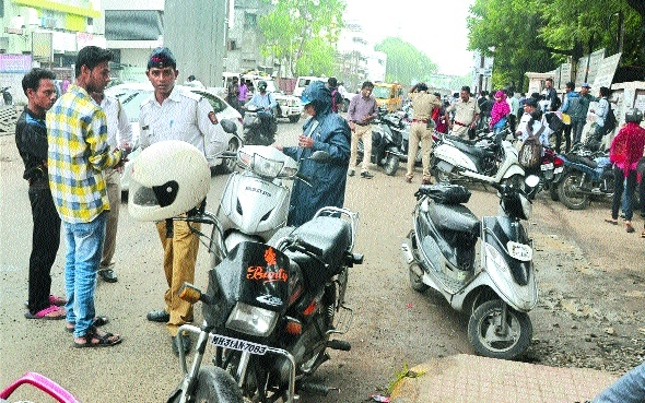 Traffic police fine 1,138 students for riding vehicle without license
