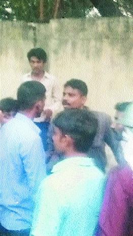 Drunk cop creates scene