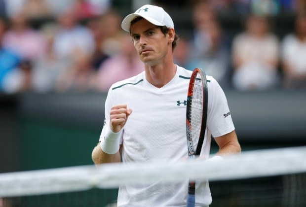 Murray motors as Wimbledon gets under way