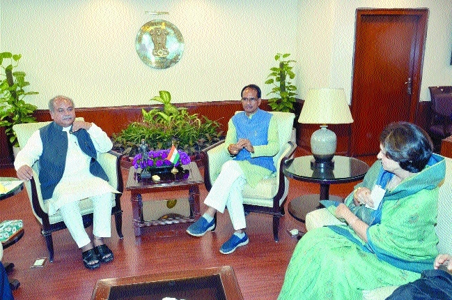 Include Jabalpur, Gwalior in Metro Rail policy: CM to Tomar