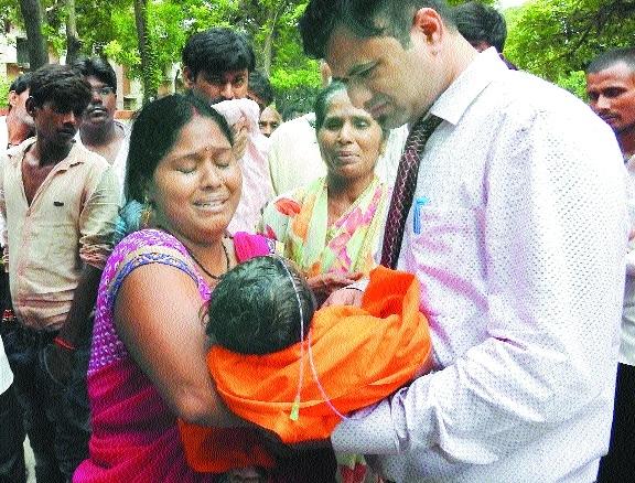 Hospital head axed; Yogi blames kids' deaths on filth