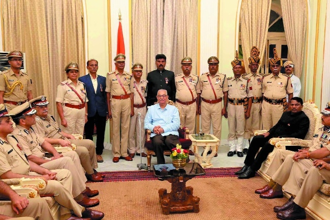 Officers should always be ready to enhance image of police: Governor