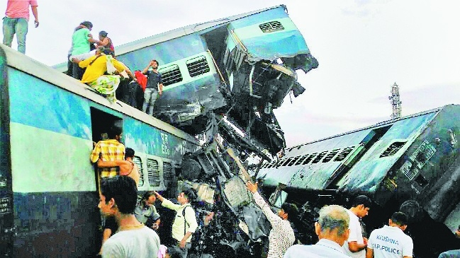 23 killed, 400 hurt as Utkal Exp derails in UP