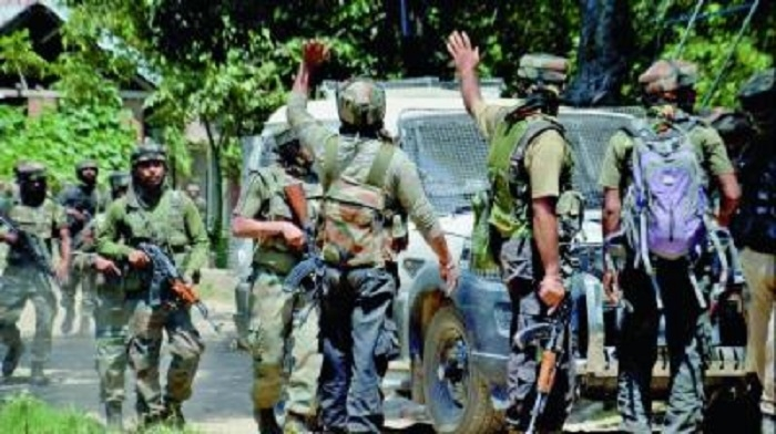 8 jawans killed in suicide attack on J&K police complex