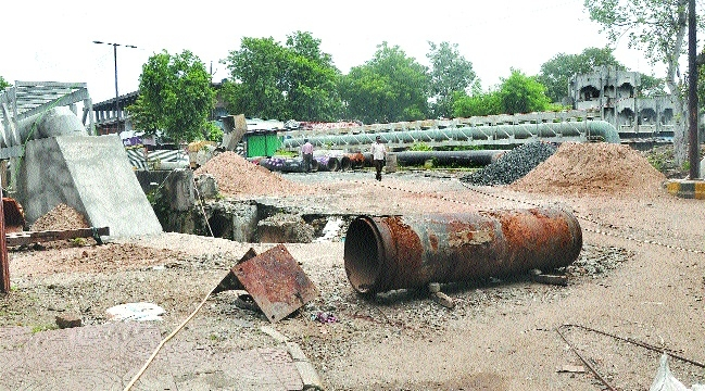 Damaged bridge near Mokshadham yet to be dismantled