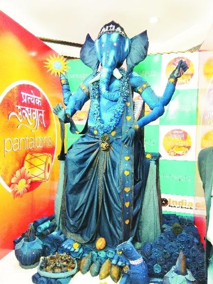 Pantaloons makes record with 'Denim Ganpati' idol