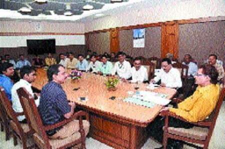 Newly appointed CEOs, BDOs visit Vidhan Sabha