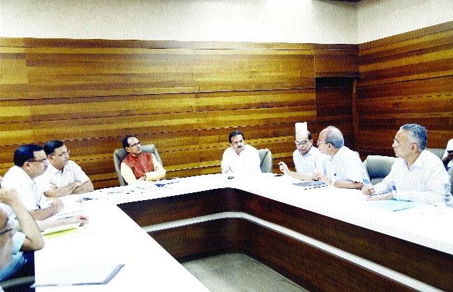 CM promises best of facilities to investors