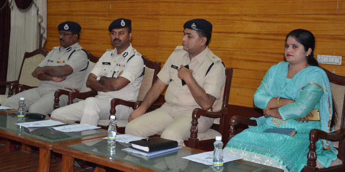 Raipur Police sensitises school authorities about children's safety