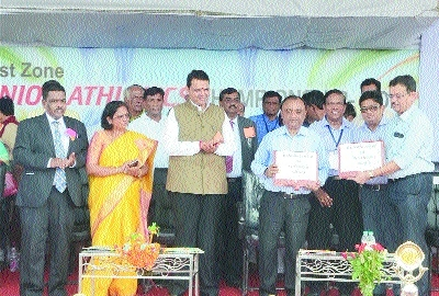 CM Fadnavis promises best of facilities at sports complex