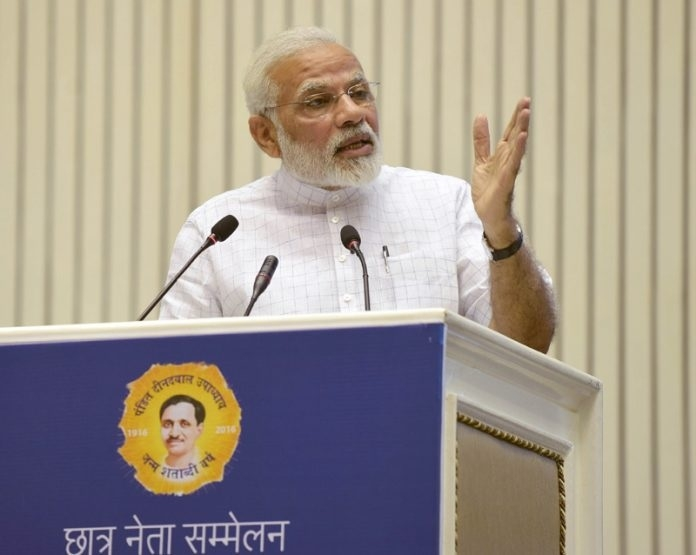 Modi writes to opinion makers across fields to promote 'Clean India' campaign