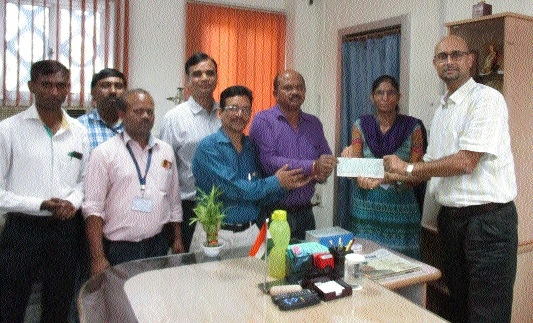 Chhattisgarh EPFO members donate Rs 1 lakh to flood victums