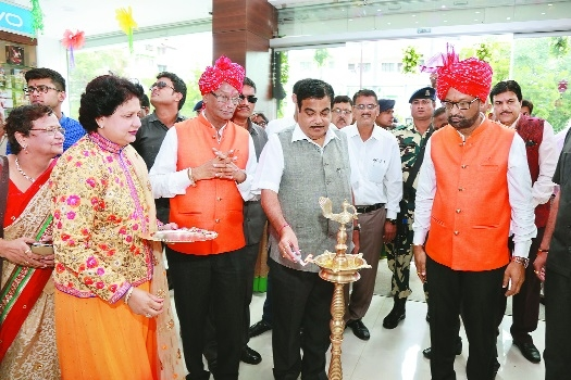 Taori Marketing Electronic Mall opens at Khare Town, Dharampeth