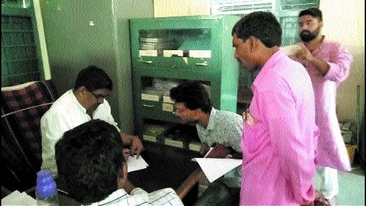 Employment Asstt caught taking bribe