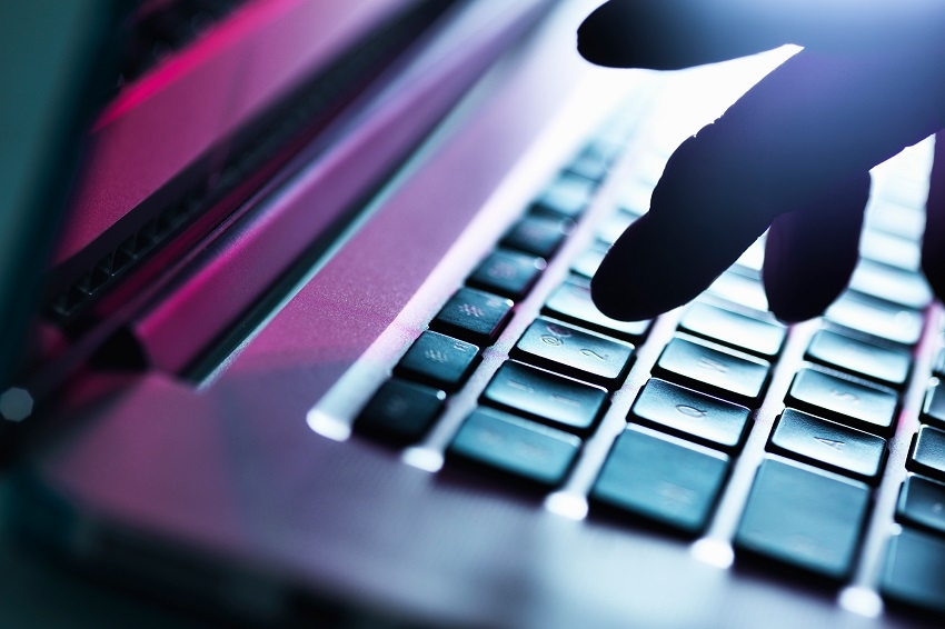 Online frauds: Telecom operators on police radar
