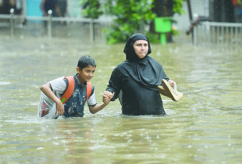 Floods affect 16 mn kids in India, Nepal, Desh: UNICEF