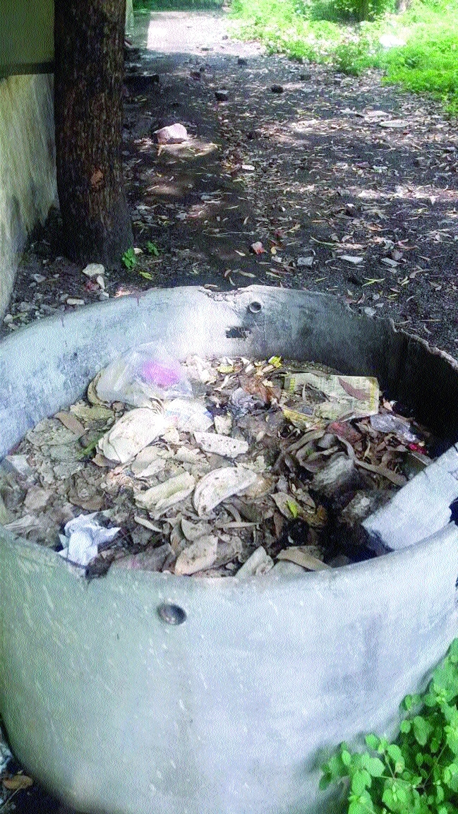 Heaps of garbage, no sanitation in TB Hospital