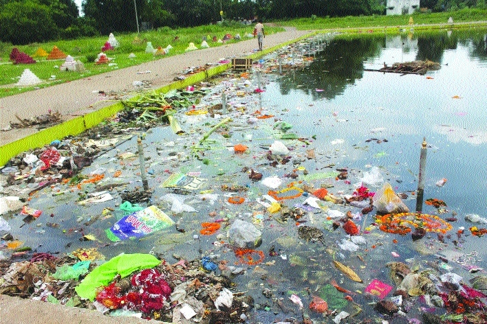 Steel City ponds left littered after 'Ganesh Visarjan'