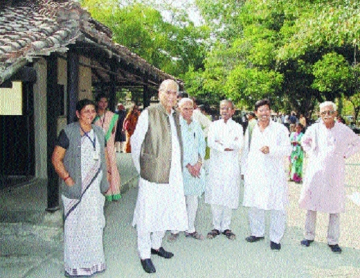 Rahul Bajaj visits Bapukuti, lauds activities, upkeep