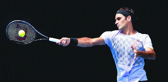 Federer takes on Bedene
