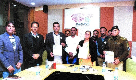 Mayor inaugurates 'Kaun Banega Smart' quiz contest