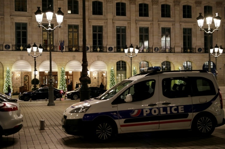 Armed robbers loot jewels worth 4 mn euros from Ritz hotel in Paris