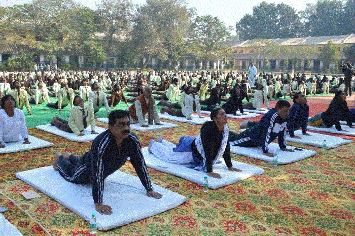Eminents perform Surya Namaskar at Pt Lajja Shankar Jha School