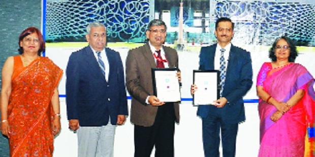 MNLU Nagpur Inks MoU with GNLU