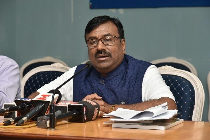 State's income up by Rs 25K cr: Mungantiwar