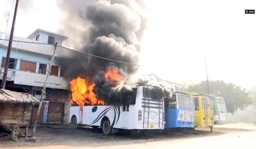 Shops, bus torched on second day of Kasganj violence